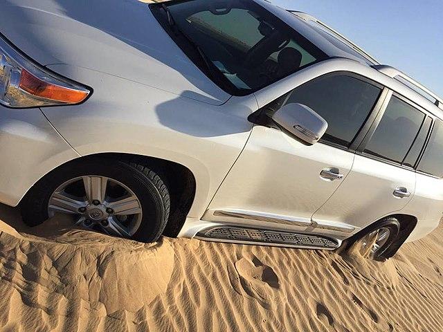 Dune-Bashing-in-Desert-Safari-Dubai