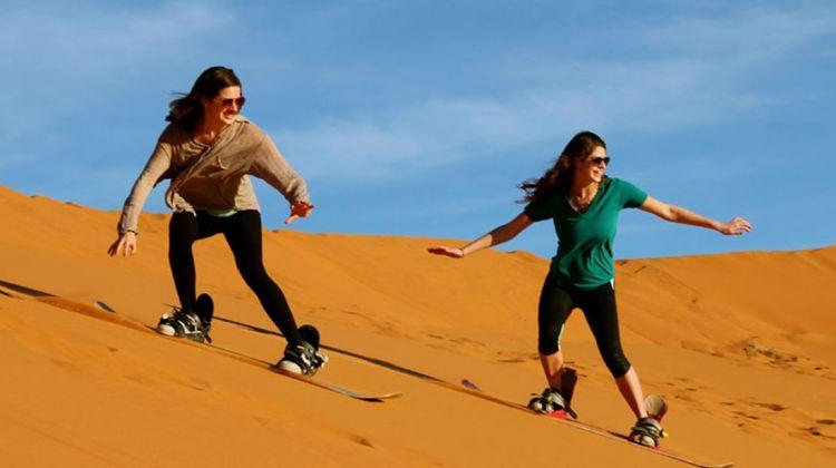 dubai-desert-safari-Sand Skiing
